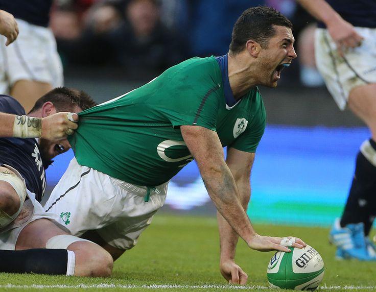 Rob Kearney celebrates after scoring Ireland's third try