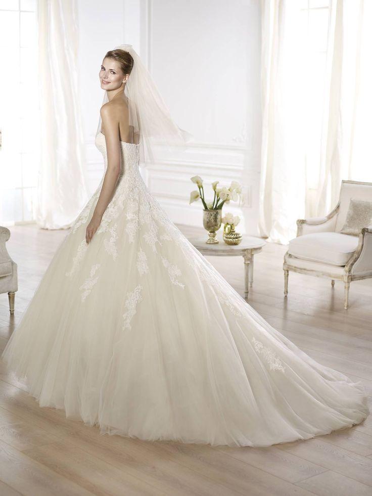 Octavia wedding dress by Pronovias 2015 http://lamariee.hu/eskuvoi-ruha/pronovias/octavia