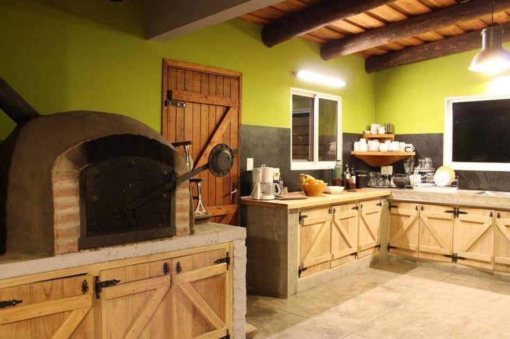 Horno de barro dentro de una cocina cocinas pinterest - Hornos para cocina ...