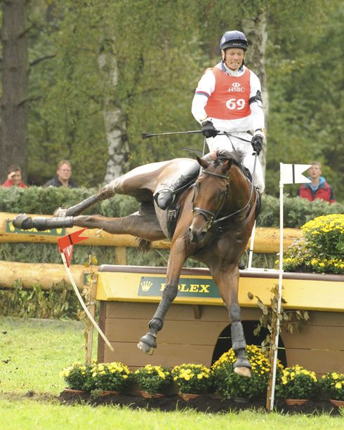 Watch Epic Cross-Country Riding Saves via Horse & Hound (William Fox-Pitt and Cool Mountain defy gravity at 2011 European Championships)