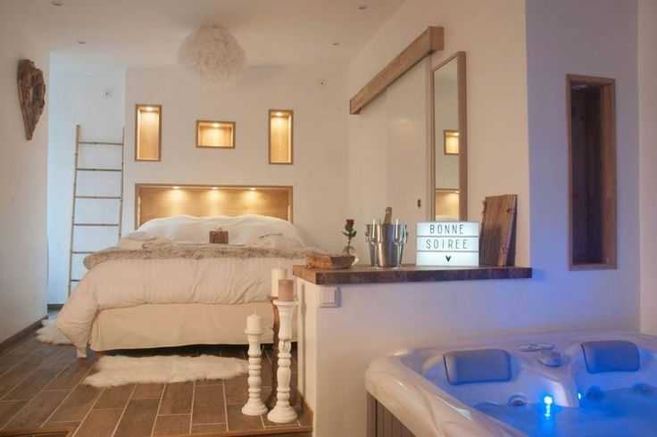 """Regardez ce logement incroyable sur Airbnb : L'escapade romantique """"le nid"""" spa privatif - Lofts à louer à Dreuil-lès-Amiens"""