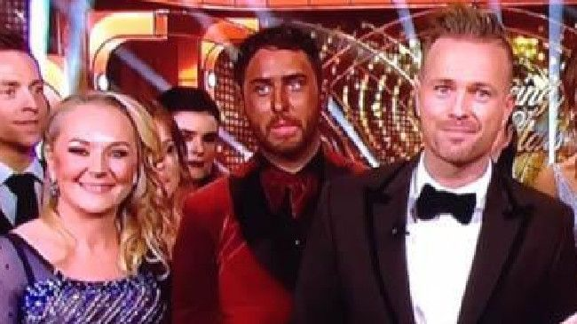 awesome Reality star's unbelievable fake tan fail on TV