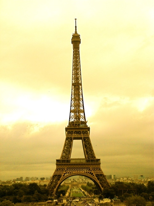 The Eiffel Tower: Art or Eyesore? via The Anthrotorian