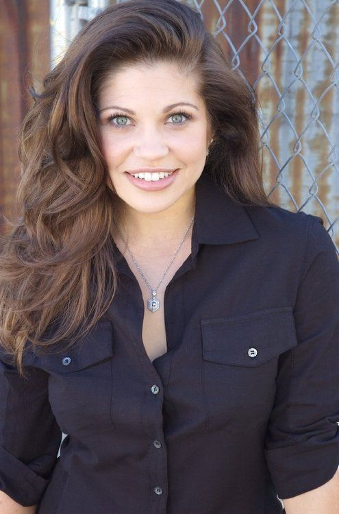danielle fishel (Topanga Lawrence-boy meets world) still has it ... the beautiful complexion, hair and teeth.