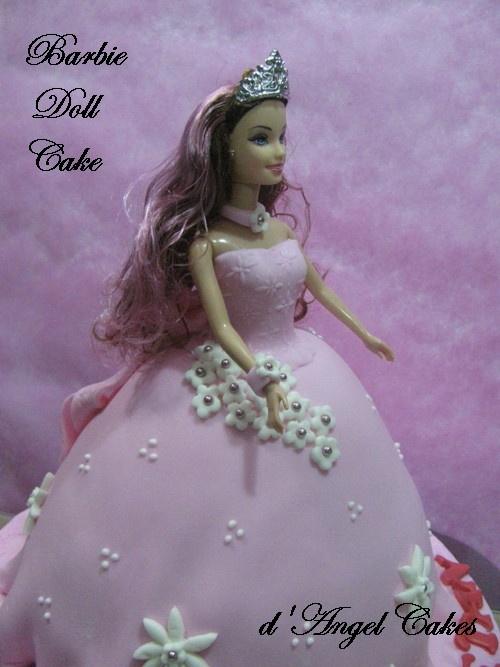 how to make barbie cake with fondant
