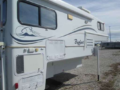 Check out this 2005 Miscellaneous Bigfoot 106 E listing in Clinton, MO 64735 on RVtrader.com. It is a Truck Camper and is for sale at $14995.