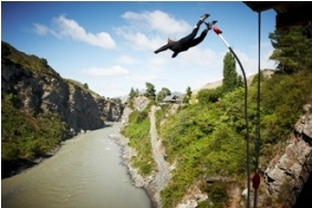 Bungy from Ferry Bridge in Hanmer Springs for a 35 metre free-fall. New Zealand
