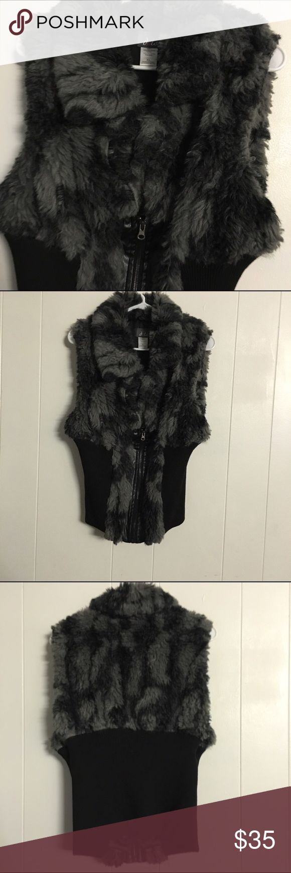 Women's fur jacket size XL good looking . Women's fur jacket Size XL good looking and good condition if u have any questions please ask me feel free please see my other listing items also pet free smoke free home . Dots Jackets & Coats Vests
