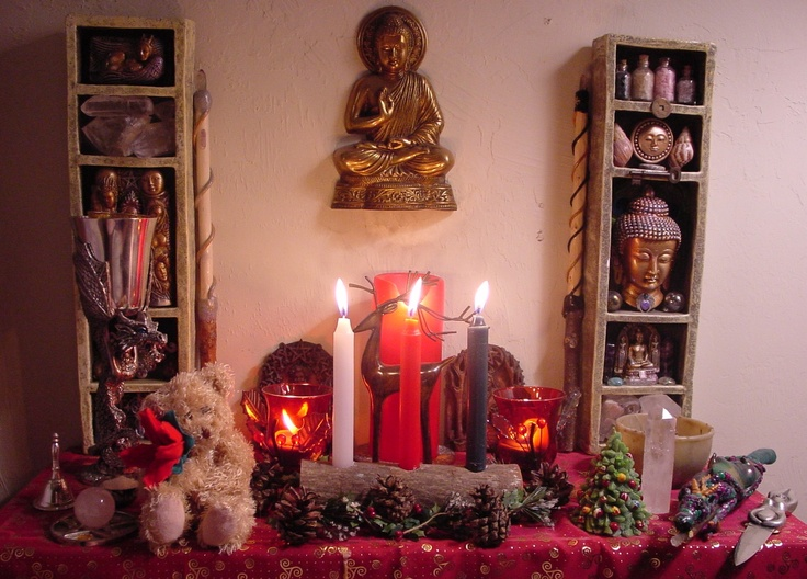 yule altar | wicca | Pinterest | The o'jays, Shelves and ...