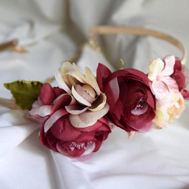 ✨ Novedades ✨ Para despedir agosto. Feliz tarde!  #BeToscana  #Toscanatocados #invitadas #complementos #bodas #weddingtime #coronitasdeflores #coronitas #tocados #tocados #invitadasboda #invitadas #invitadasconestilo #invitadasfelices #invitadasperfectas #deboda #boda  #cinturones#cinturonespersonalizados #peinasflores #temporadabodas #AW16 #summer #fashionwoman #style #moda #fashion
