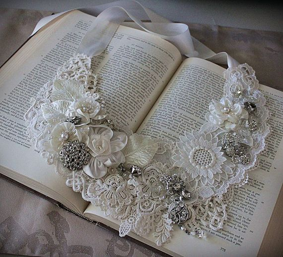 Marguerite blanche dentelle mariée collier par carlafoxdesign