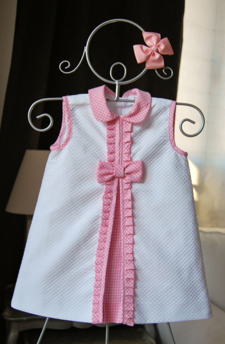 El armario de Inés. Girl dress. White. Pink