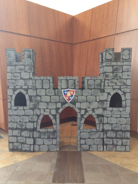Photo Booth Castle for Highlands Kids #decoration #toy #activity.  Could use this as part of a Medieval unit.