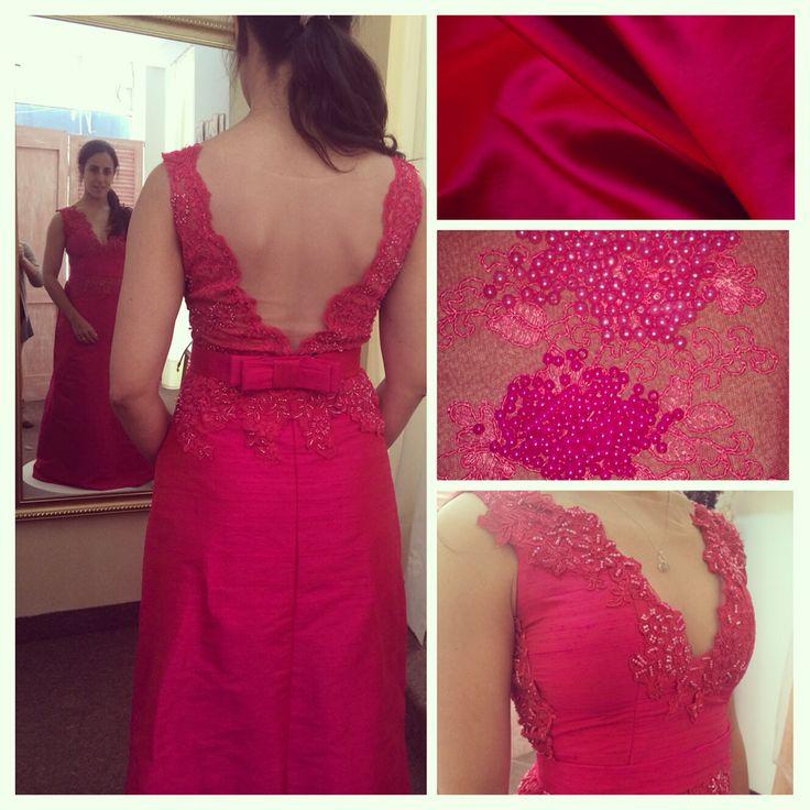 Raquel pennoni con un vestido corte evase #altacostura #vestido