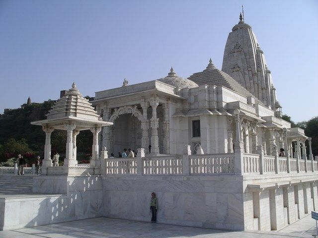 Birla Mandir, in pure white marble, dominates the skyline of southern part of Jaipur. The enormous temple was built during the year 1988, by Birla Group of Industries and is situated just below the Moti Dungri Fort. Dedicated to Lord Vishnu and his consort Lakshmi, Birla Mandir in the pink City exhibits contemporary architecture.   Amongst all the idols, the marble idol of Ganesha is a masterpiece which looks almost-transparent.
