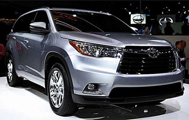 The upcoming 2017 Toyota Sequoia is a full-sized SUV. The first model of this series was debut in the market about fifteen years ago.