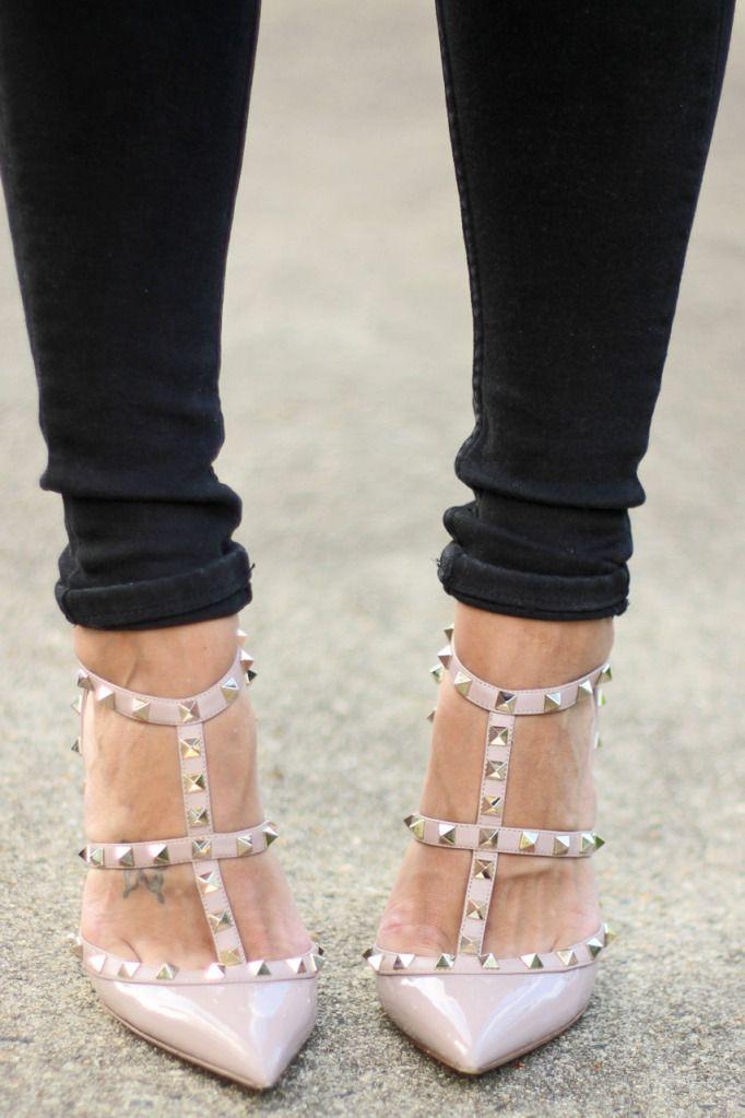 Thank God I'm a Girl: Street Fashion, Valentino Kittens, Women Fashion, Studs Heels, Valentino Pumps, Fashion Street, Valentino Heels, Blessed Valentino, Kittens Studs
