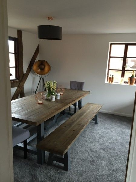 Iona, table, bois massif et gris | made.com