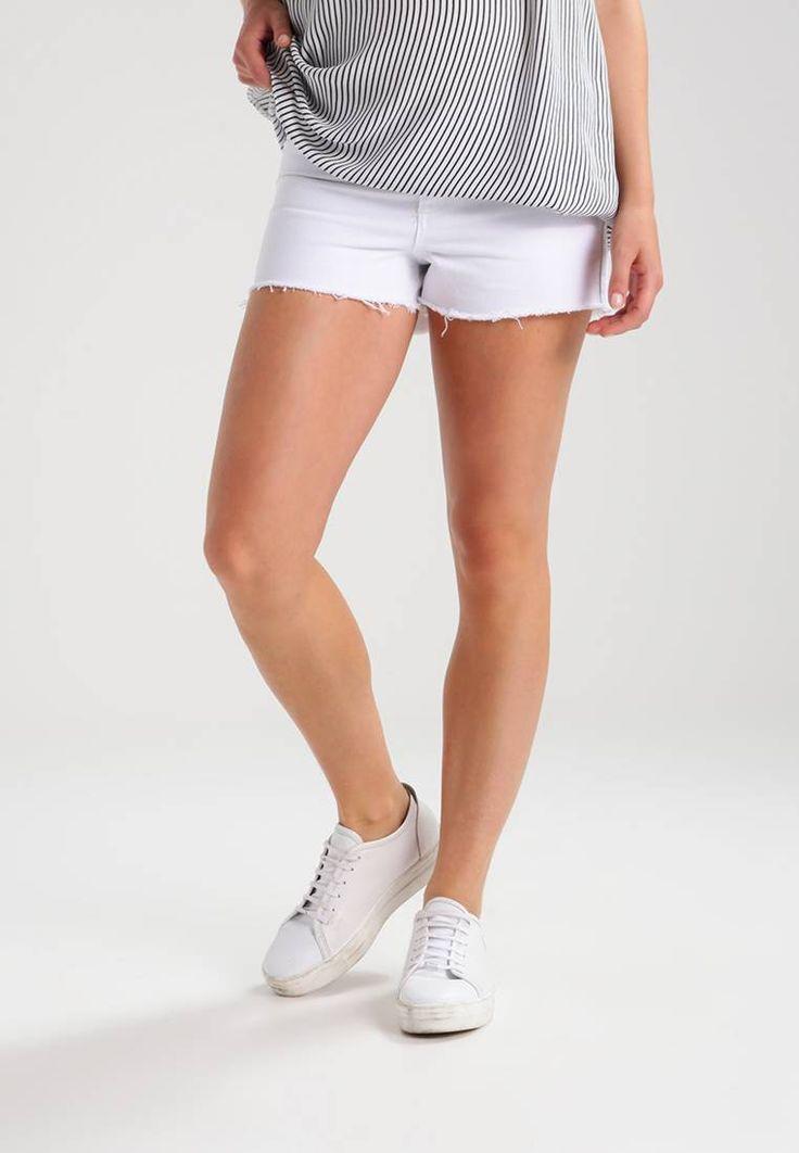 Topshop Maternity. MOM  - Szorty jeansowe - white. Materiał:100% bawełna. długość:bardzo krótka. wewnętrzna długość nogawki:7 cm w rozmiarze 36. zapięcie:ukryty zamek błyskawiczny. Struktura/rodzaj materiału:denim. Wskazówki pielęgnacyjne:pranie w ...