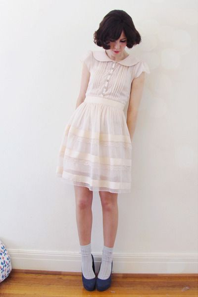 Girly Dresses, Trav'Lin Lights, Dresses With Girly Ribbons, Baby Dolls Dresses Outfit, Alannah Hills, Pale Pink, Lights Pink Dresses, Collars Dresses, White Dresses