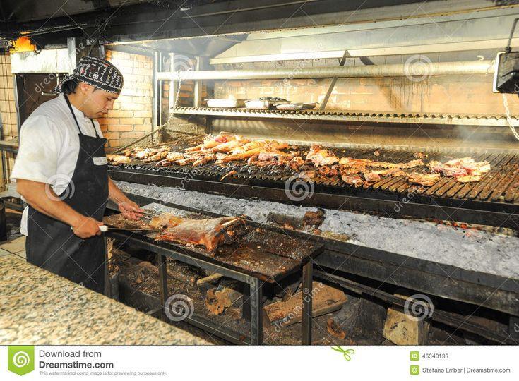 Cuoco Sulla Griglia Del Bbq Ad Un Ristorante Del Mendoza, Argentina Fotografia Editoriale - Immagine: 46340136