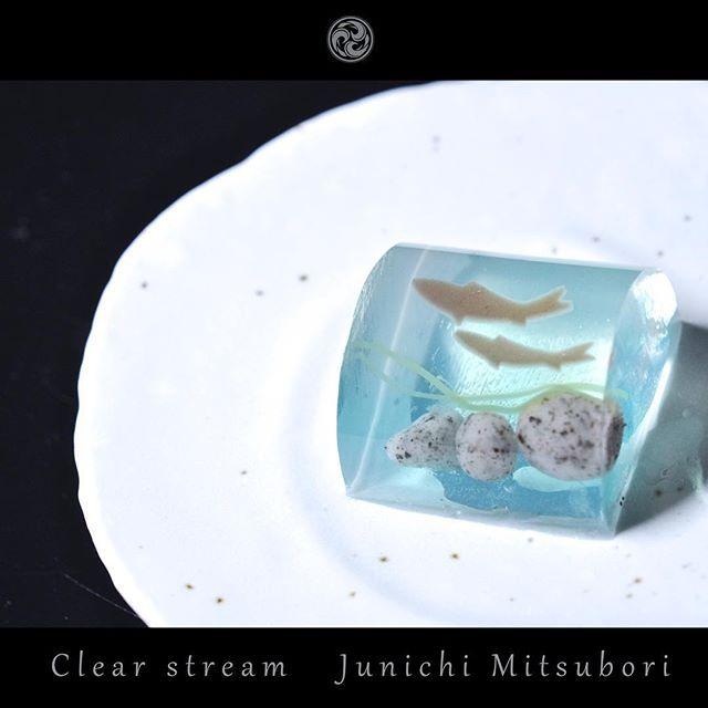 "#JunichiMitsubori #wagashi #kadou #Sweets #Artist #Japanese #Confectionery #works #instaphoto #instasweets #侘寂 #wabisabi #一日一菓 「 #菓道 #清流 」 #煉切 製 wagashi of the day "" #ClearStream "" #和菓子 #一菓流 #三代目"