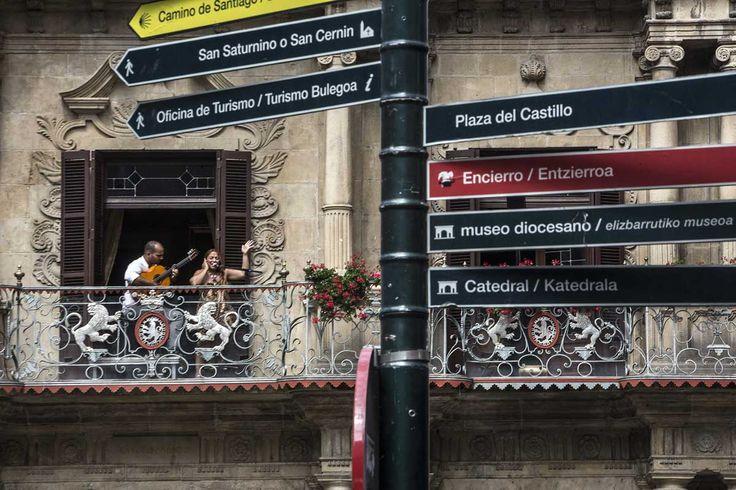 El flamenco enamora a Pamplona desde sus balcones en Flamenco On Fire 2016. Montse Cortés, Alba Molina, Guadiana, Jerónimo o Arcángel, entre los artistas que asomaron su cante y su toque por la ciudad