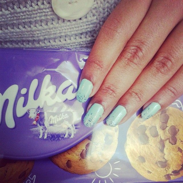 https://www.instagram.com/explore/tags/qteanails/ &//Snow White eats her biscuits//& #qteanails  #nailart