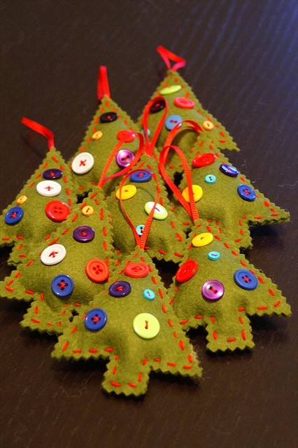 Cute homemade Christmas ornaments. Felt trees with button ornaments.
