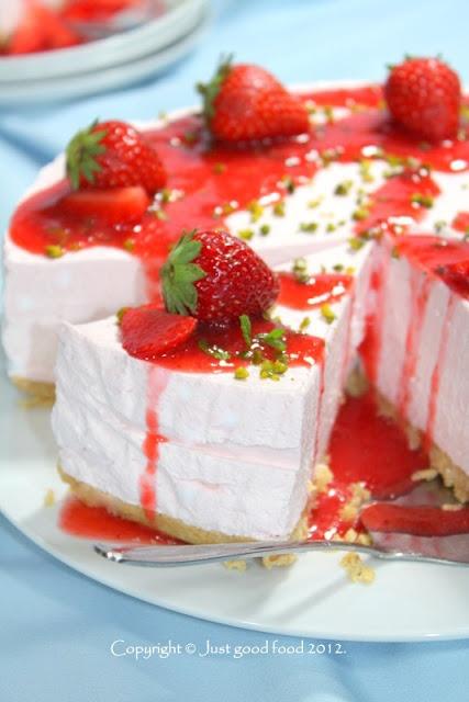 no bake strawberry cheesecake: Good Food, Strawberries Cakes, Strawberries Cheesecake Recipe, Amazing Food, Cheesecake Ommgggg, Cake Or, Baking Strawberries, Od Jagoda, Cheesecake Thi
