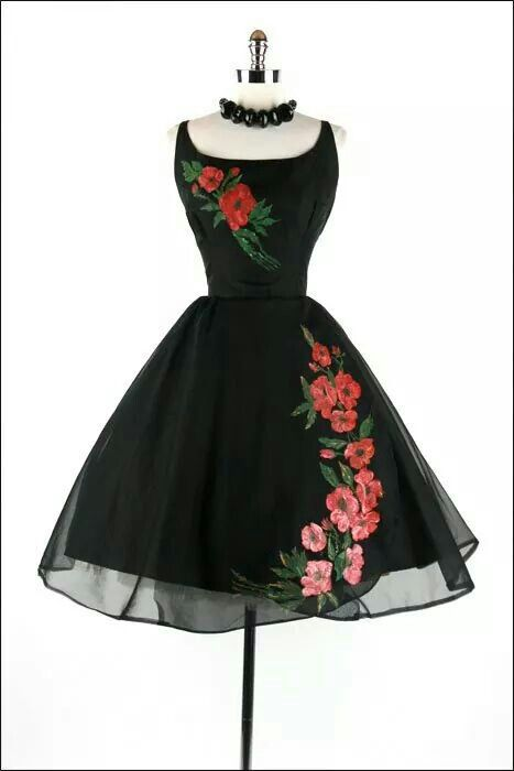 Stunning vintage 50's party dress! Women's vintage party fashion