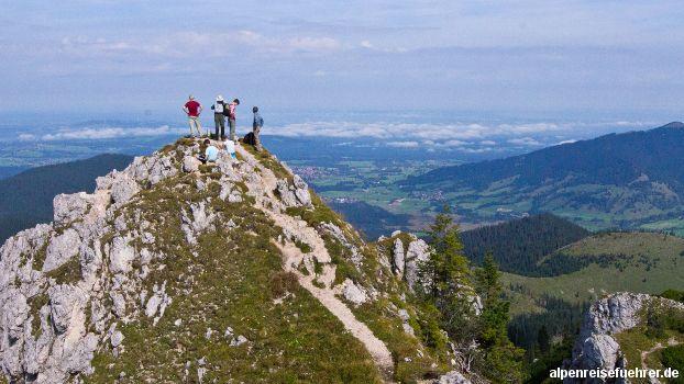#Wanderung von #Oberammergau über den #Kolbensattel auf den #Teufelstättkopf, #Ammergau #Alpen #Bayern http://alpenreisefuehrer.de/deutschland/ammergauer-alpen/von-oberammergau-ueber-den-kolbensattel-auf-den-teufelstaettkopf/?utm_source=pinterest&utm_medium=link&utm_term=ammergau&utm_campaign=social