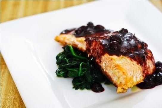 Baked Salmon with Blueberry Sauce - #HEALTHYRECIPE #healthy #lowfat #lowcalorie #diet #cookinglight #MyBSisBoss