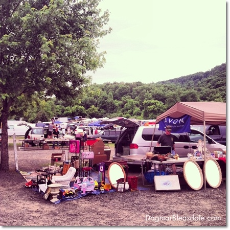 Our Visit to the Elephant's Trunk Flea Market in CT #thrifting #fleamarket