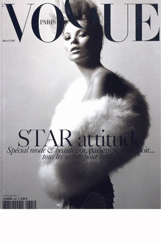 Vogue Paris mars 2004: http://www.vogue.fr/photo/les-couvertures-de/diaporama/david-sims-en-11-couvertures-de-vogue-paris/6681/image/455105#vogue-paris-mars-2004