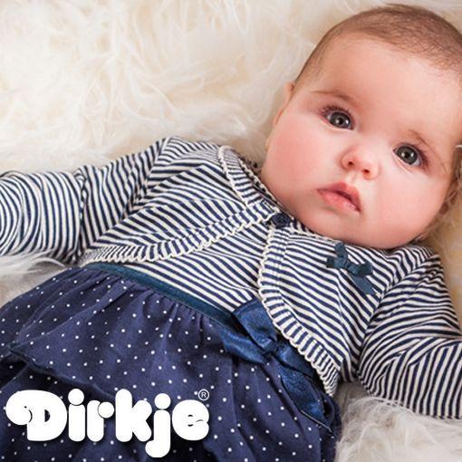 Deze mooie meid is helemaal klaar voor een leuk dagje uit! Bekijk deze sjieke outfit in de nieuwe Dirkje wintercollectie 2016/2017 van Dirkje Babywear. #dirkje #babykleding #wintercollectie #blauw #dirkjebabywear #meisjes #stippen #strepen #strikje