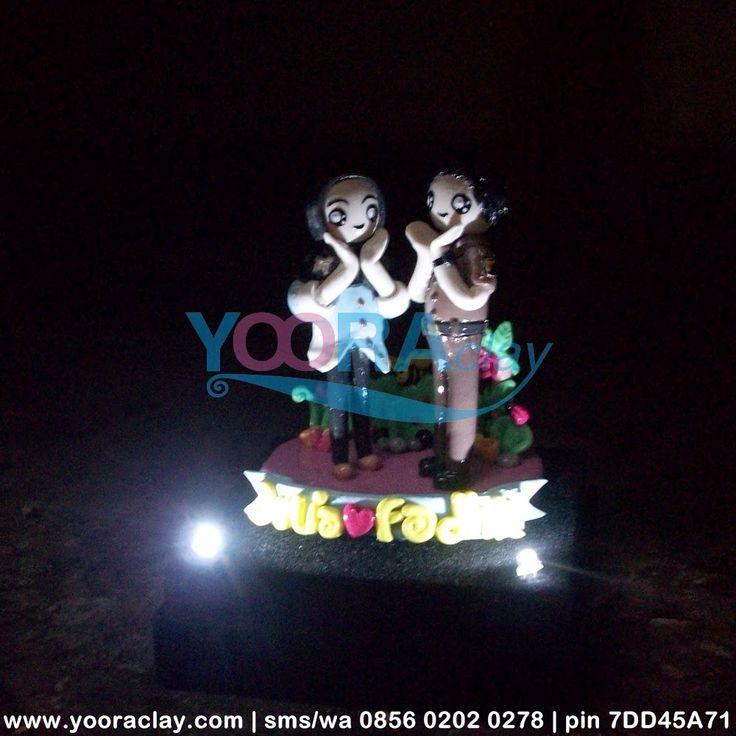 Clay dalam Box Acrylic 'Yulia & Fadhil' + lampu LED