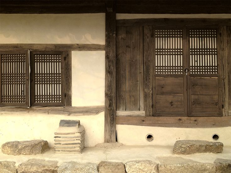 Playing with the idea of blending Korean aesthetics with cob, such as this beautiful door and windows.  seoul-korea-traditional-architecture-ascetic-minimalism-mona-kim-5