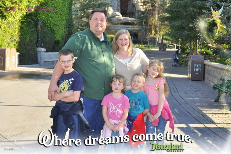 Details tips for having a great trip from a home grown Disneyland expert :) - My friend wrote this and she knows her stuff!!