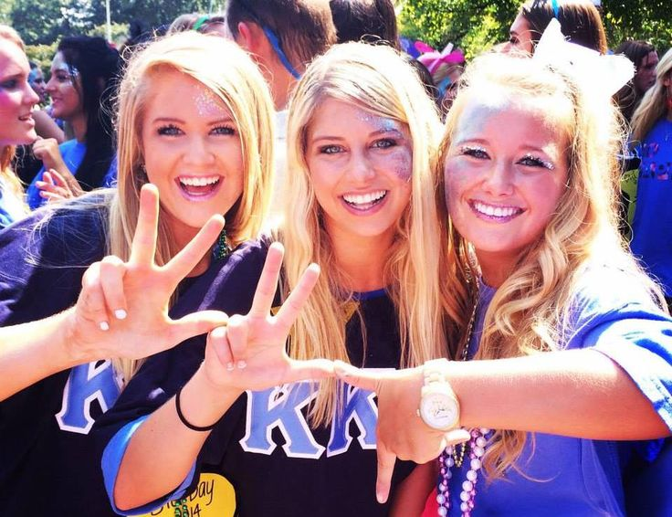Kappa Kappa Gamma at University of Mississippi #KappaKappaGamma #KKG #Kappa #BidDay #sorority #OleMiss