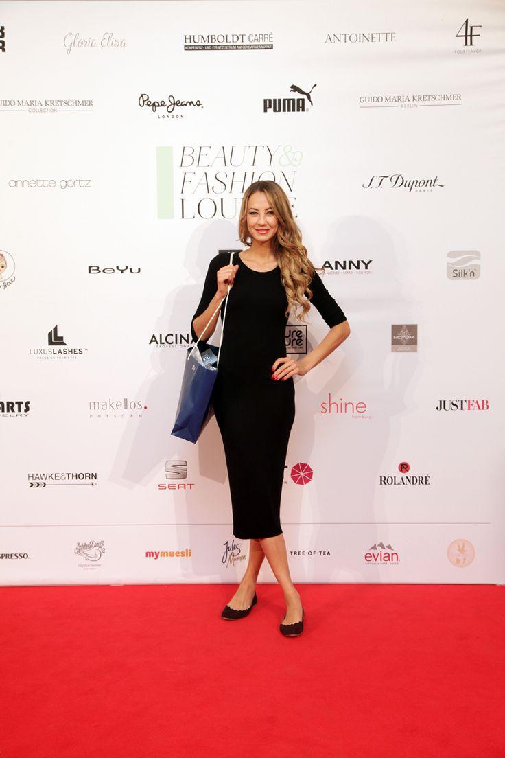 Alessandra Meyer-Wölden bei der Beauty&Fashion Lounge/Gentlemen Corner. © REICHERT+ COMMUNICATIONS