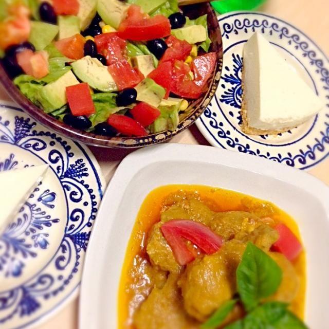 イスラムの断食月が明けました(^_^) インドネシアではお祭りのように何日もお祝いが続きます。我が家は一晩だけいろいろ作って終わりです - 7件のもぐもぐ - 7/28 断食明け祭☆オポールアヤム(インドネシア料理) アボカド黒豆サラダ レアチーズケーキ✨ by shokoarai5nQn
