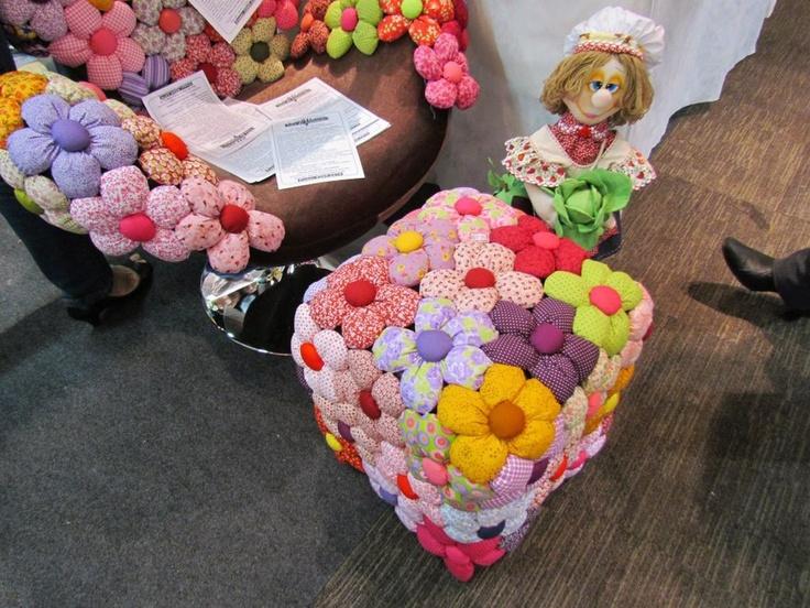 Pufes de garrafas de pl stico decora o flores - Flores de plastico ...