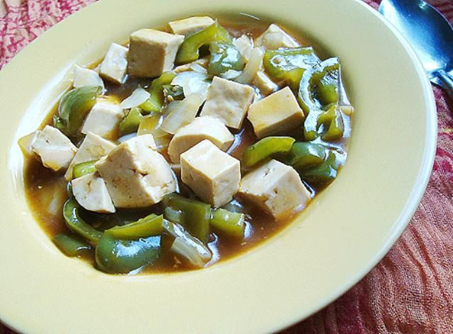 Better Than Take-Out Sweet and Sour Tofu with Vegetables: Sweet and sour tofu with green bell peppers