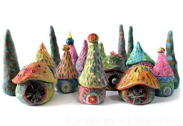 Tiny fairy houses.  Gloucestershire Resource Centre http://www.grcltd.org/scrapstore/