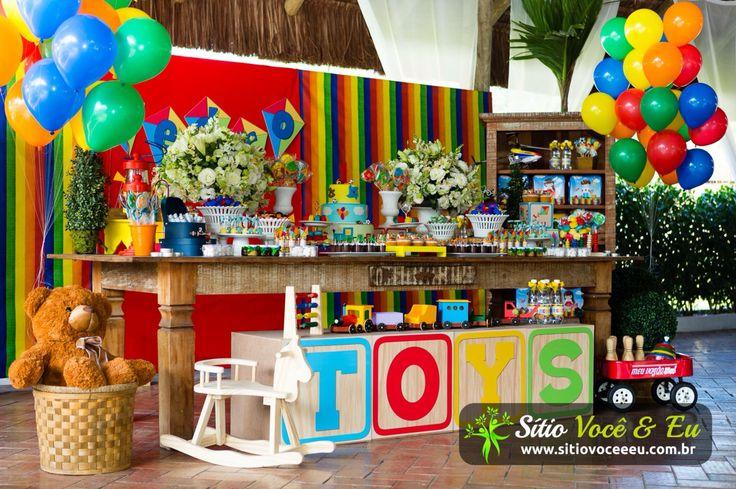 Festa de menino. Brinquedos