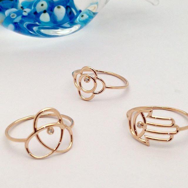 Her zaman şık... Tasarım @cemilgezer  www.mireillecollection.com www.instagram.com/mireillecollection #mireillecollection #tasarim #yuzuk #kolye #ametist #stil #aşk #kelebek #moda #fil #trend #trendy #fashion #design #ring #rings #colors #chic #pendant #diamond #diamonds #love #nişantaşı #istanbul