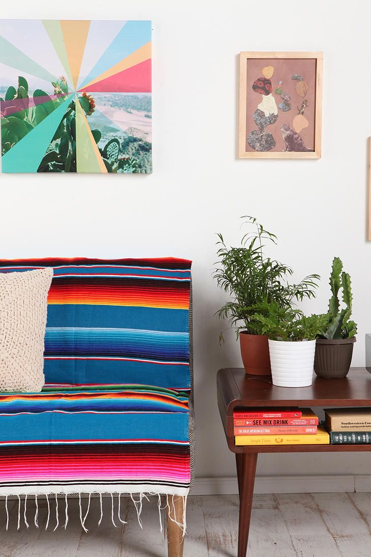 serape: Stripes Blankets, Mexicans Blankets Rugs, Urban Outfitters, Serap Blankets, Mexicans Rugs, Sarap Decor, Serap Stripes, Urbanoutfitt With, Rooms Decor