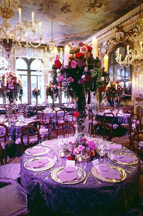 Fancy purple tablescape    Oh if i only I could have my wedding again. Perfection!!! :-)