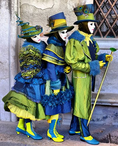 The Three Masks Love these peacock colours! :) hat inspiration